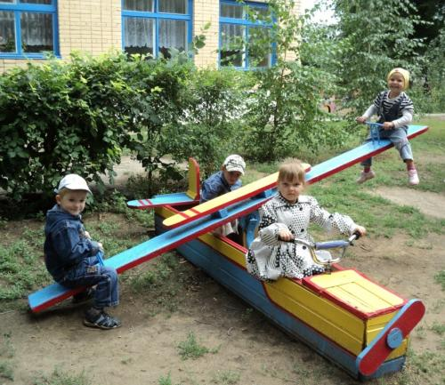 Качели в детский сад
